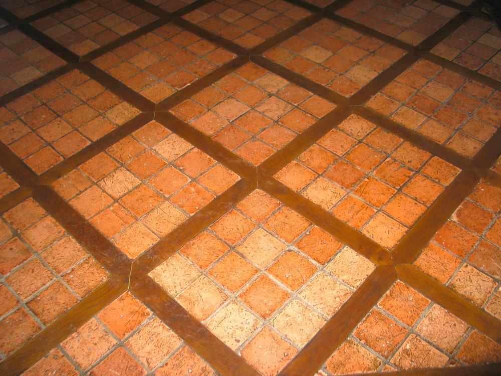 Carreaux Beauronne 10x10 finition main